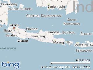 4. Cari salah satu pulau terbesar yang memanjang di selatan, named Java